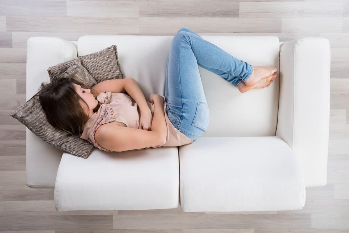 Чаще всего тошнит перед месячными из-за предменструального синдрома