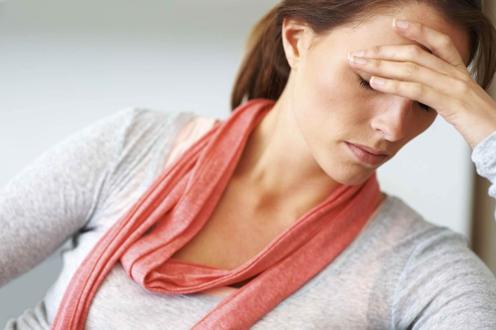Причины предменструального синдрома с головной болью