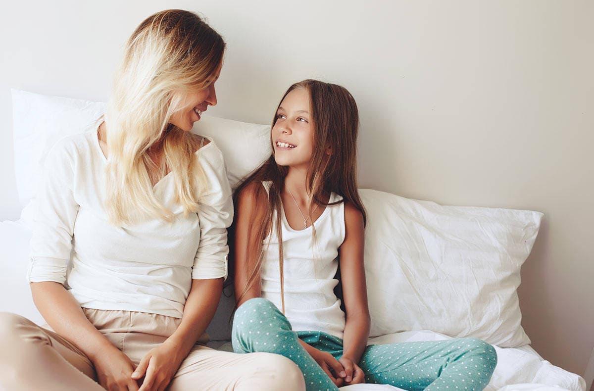 Первичный, или истинный, поликистоз, проявляется у подростков в пубертатный период и отличается тяжелым течением, а вторичный – поражает взрослых женщин, преимущественно в возрасте от 20 до 40 лет