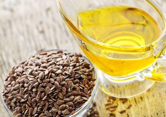 Льняное масло применяется и внутрь, и снаружи груди