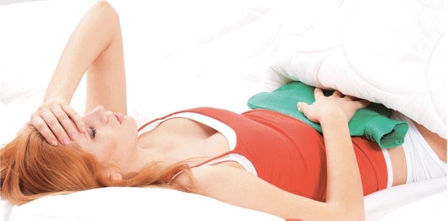 Клинические проявления при кистах яичника обычно начинают мучить женщину, когда новообразование достигло довольно больших размеров