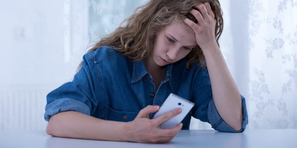 Одной из причин исчезновения менструаций считается длительный стресс