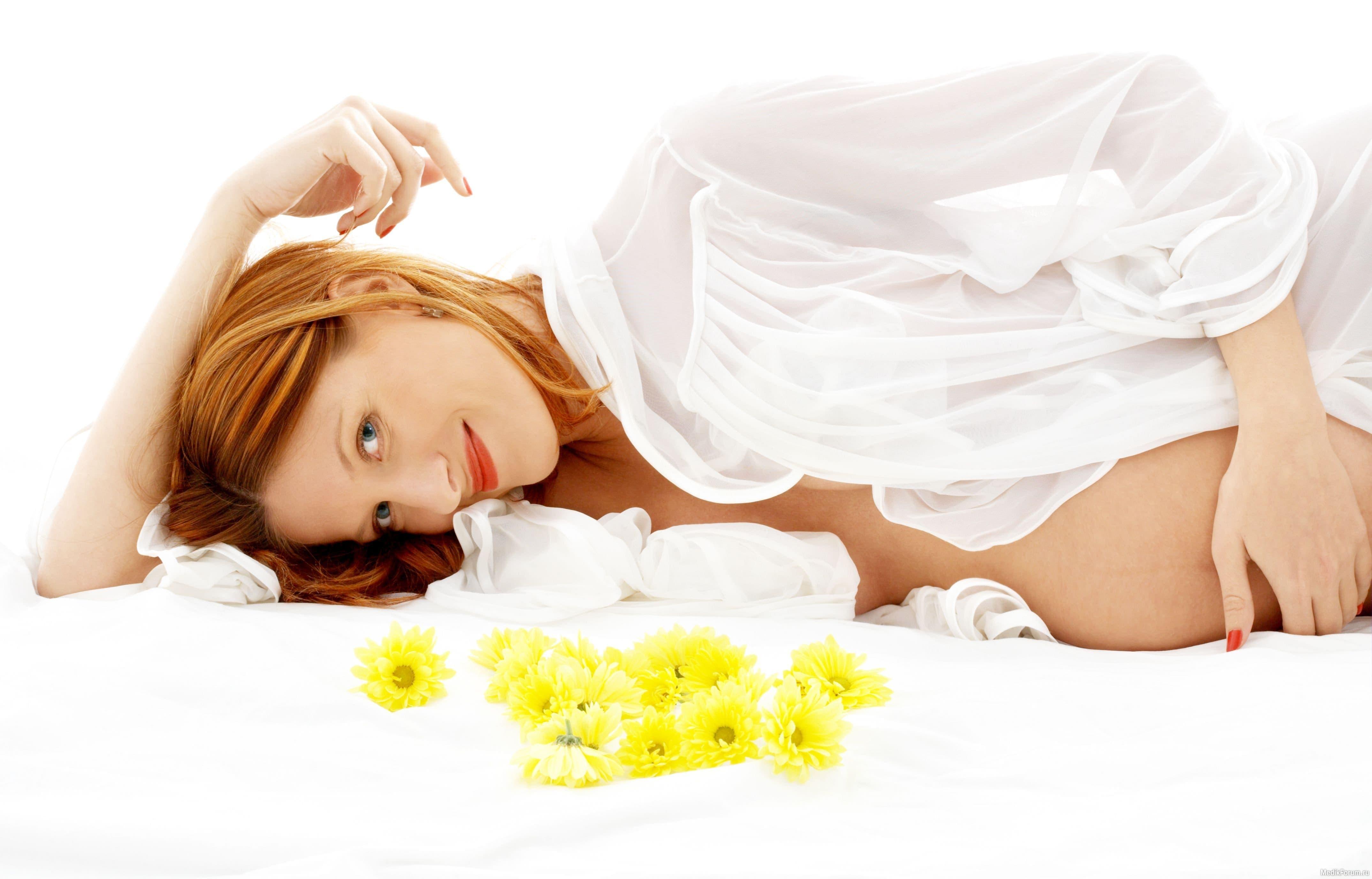 Кормление грудью и способность забеременеть без критических дней