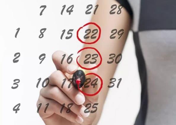 У девочек после менархе цикл устанавливается обычно в течение 1,5-2 лет