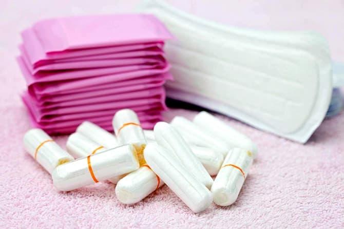 Менструальная кровь – хорошая питательная среда для бактерий. Чтобы избежать патологического процесса во влагалище, особое внимание следует уделять личной гигиене